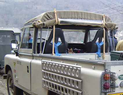 "Land Rover 109"" Ext. Truck-Cab"