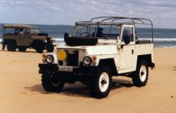 Land Rover 88 Lightweight / thanks to Philip in Oz for this picture